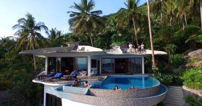 Stunning, Exotic Two Bedroom, With Huge, Private Infinity Edge Swimming  Pool! - Ko Tao