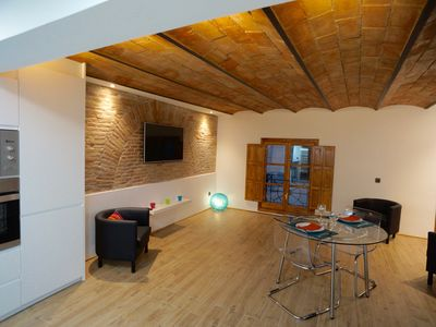 Photo for 1BR Condo Vacation Rental in Barcelona