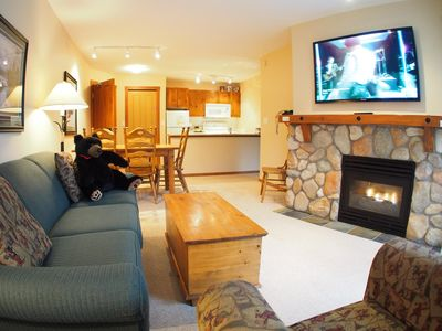 Photo for 2 bedroom apartment in village centre, ski in/out