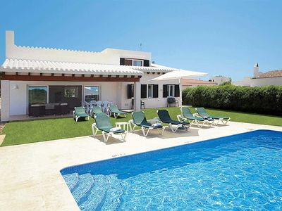 Photo for Large well-maintained 5BR villa with pool and Wi-Fi, close to local shops, ideal for groups