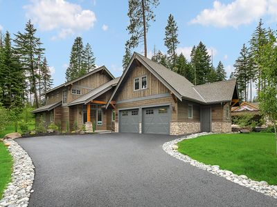 Photo for NEW fully equipped home w/hot tub in Legacy Neighborhood - Center of Suncadia!