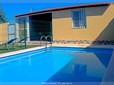 Photo for Rural bungalow with garden and pool