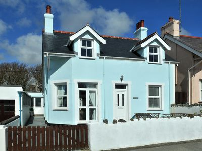 Photo for Charming Victorian Cottage close to beach with sea views