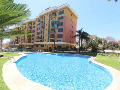 Photo for PLAYA DEL BAJONDILLO: Apartment with sea views in the front line