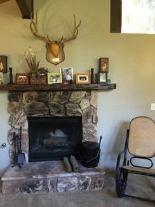 Photo for Lazy Bear Cottage: 2  BR, 1.5  BA Cabin / Bungalow in Crestline, Sleeps 4