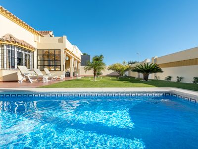 Photo for Spanish villa for rent in Chiclana