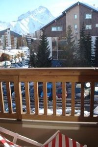 Photo for South facing apartment, ski slopes and lifts, 6 people