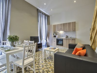 Photo for Centrally locted Valletta 2-bedroom Duplex Apartment
