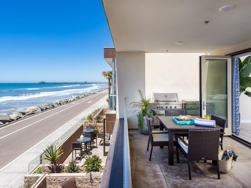 New modern beach condo sitting on the seco vrbo for Cheap cabin rentals southern california