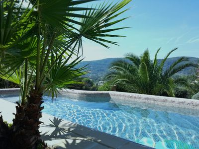 Photo for Villa with private pool and garden at the gates of the Verdon, 6 people