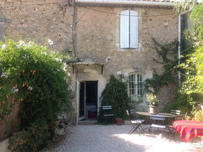 Photo for Small farmhouse in the Alpilles (3km from Mouries), region of the baux de Provence (15min)