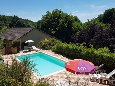 Photo for Family rooms 5 minutes from Sarlat quiet - with pool