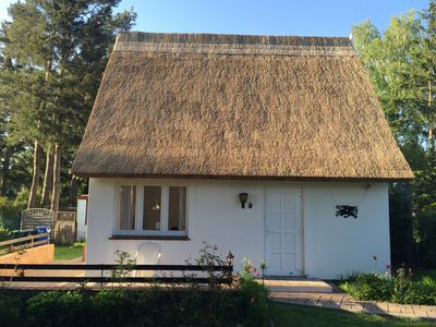 Photo for Thatched cottage on Greifswalder Bodden on the Baltic Sea for 2-3 persons