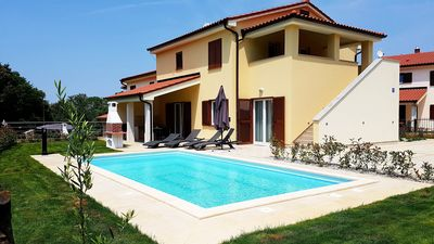 Photo for Holiday home for 10 guests with 200m² in Banjole (65272)