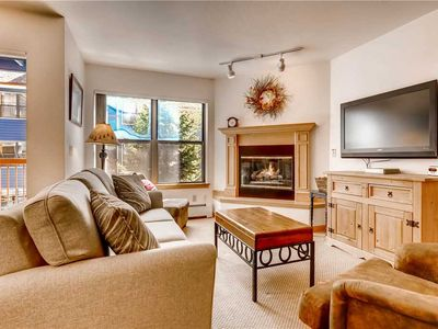 Photo for Affordable downtown location near shopping, dining, Outdoor Pool & Hot Tub