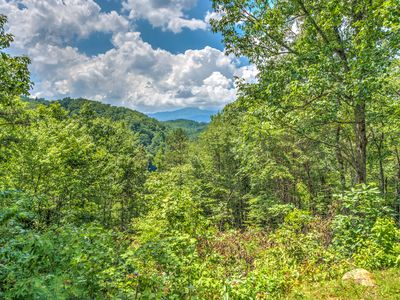Photo for Newly Remodeled, Private & secluded, away from the traffic but close to PF & GAT
