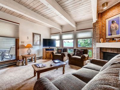 Bright Family Home - Convenient Access to Mountain - Discount Lift Tix Avail