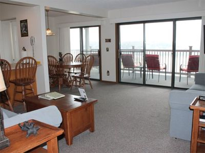 Photo for Lovely 2 bed 2 bath Condo w/Spectacular Lake Views. Silver Dollar City 1 mile! Pool steps away.