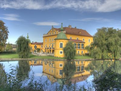 Photo for Castle, large park with pool, tennis court, horses, near Vienna and Wach wine re