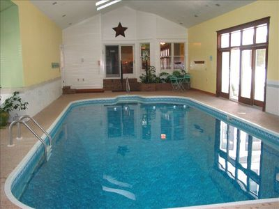 Private swimming pool with hot tub and sauna.  Available throughout all seasons!