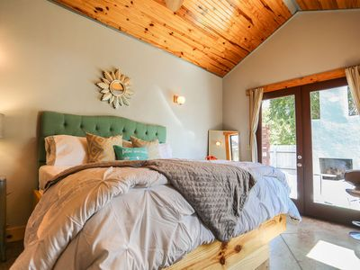 Photo for Absolutely Charming Claire Suite, King Bed, Hot Tub, Outdoor Fireplace!