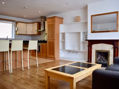 Photo for 2 Bedroom Home With Parking In Ballsbridge