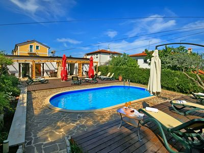 Photo for Studio with outdoor pool and barbecue