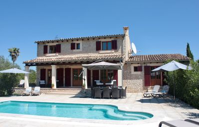 Photo for Beautiful country home between Alcudia and Pollenca for 8 (+2)