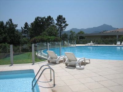 The large infinity pool has ample sun loungers ; beautiful views; W.C and shower