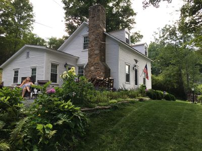 1828 Vermont Cottage Feet From The Famous Battenkill River