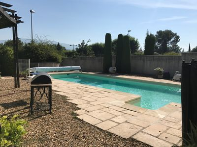 Photo for Villa with pool and open views to Mont Ventoux