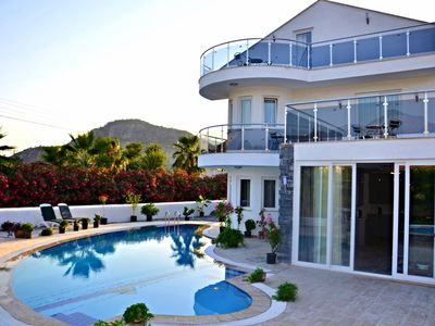 Photo for Modern Luxury 5 Bedroom Villa, large  Private Pool And Bar free wifi and aircon