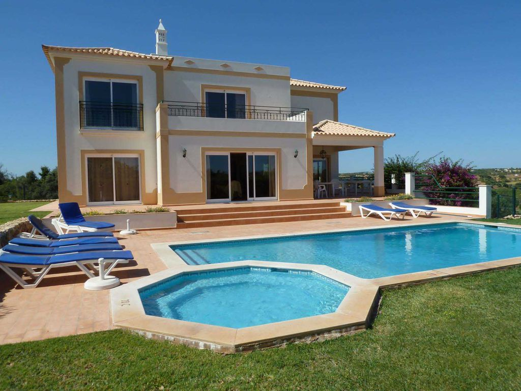 Nice Holiday House For 8 Persons, With Swimming Pool