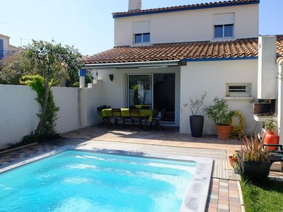 Photo for villa with pool in downtown Montpellier