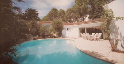Photo for Beautiful villa with heated pool 100m from the beach!