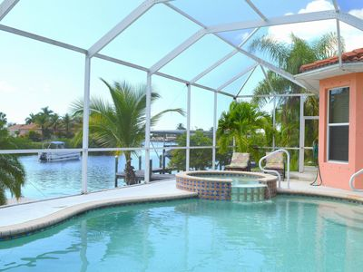 Photo for Fantastic location for boaters and golfers!