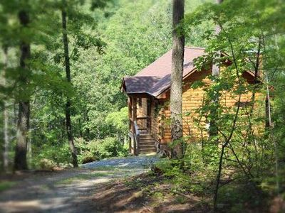 A Rustic-Chic Cabin Hideaway at the Doorstep of the Shenandoah National Park