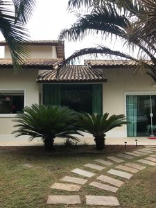 Photo for House, 1 km from the beaches, 5 bedrooms, swimming pool, churr ...   BRL 800.00