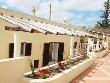 Search 23 holiday lettings