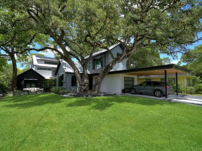 Photo for Beautiful Modern Farm House in downtown Austin