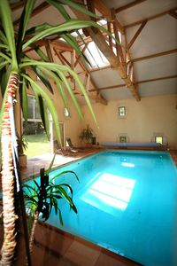 Photo for Indoor pool of water at 29 ° 16kms from Saint-Emilion