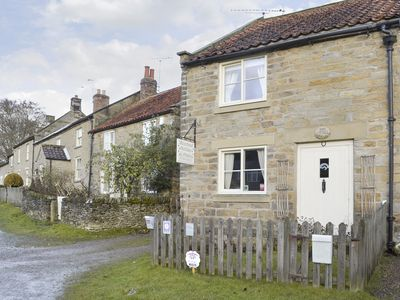 Photo for 2 bedroom accommodation in Hutton-le-Hole, near Kirkbymoorside