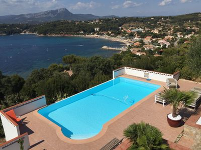 Photo for 180 degree views over the Bay of Toulon. Apartment in a stylish villa.