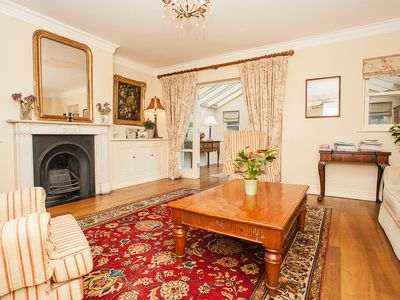 Photo for Stunning 3 bedroom garden house in central London, Fulham