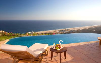 Photo for Extraordinary villa with private infinity pool. Full ocean view. 3000 sq feet