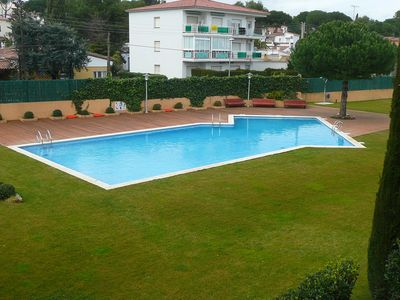 Photo for Escala Duplex 8 P in a luxury residence! Pool, BBQ, games, parking, airco