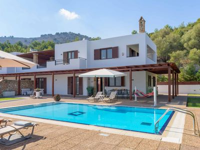 Photo for Villa Krini Eleni - outstanding villa with pool, air-con, Wi-Fi & ping-pong!