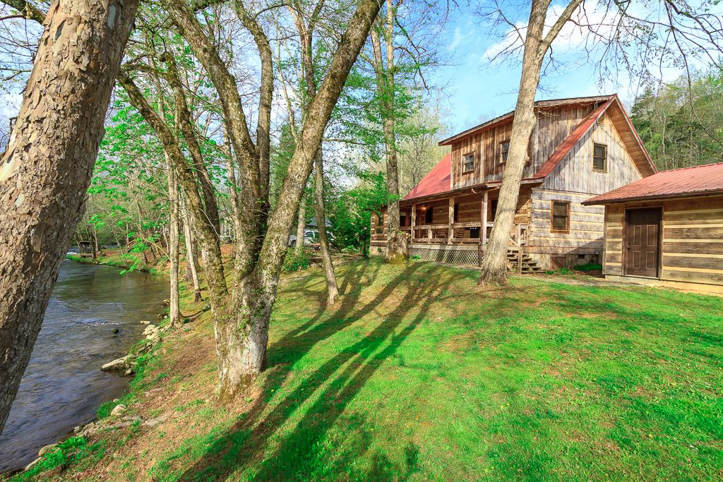 luxury family cabin trout stream fishing on property