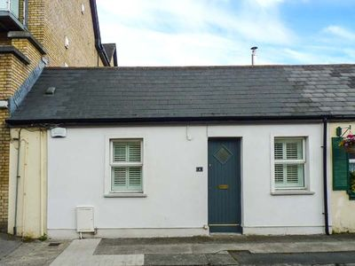 Photo for BROOKLANDS, with open fire in Malahide, County Dublin, Ref 924011