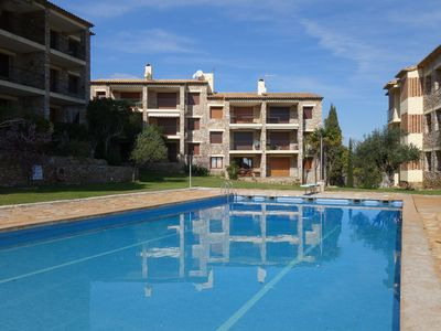 Photo for Comfortable ground floor apartment , in the Font Mar residence with communal pool and parking
